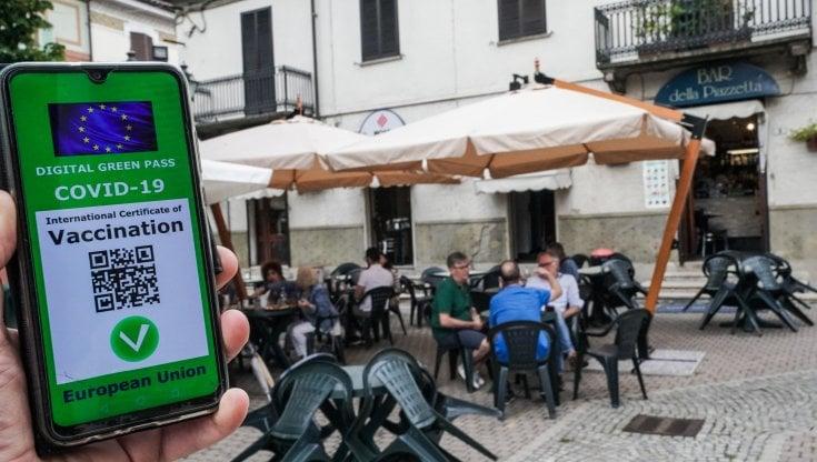 الحكومة الايطالية بصدد فرض إلزامية الشهادة الصحية بأماكن عامة