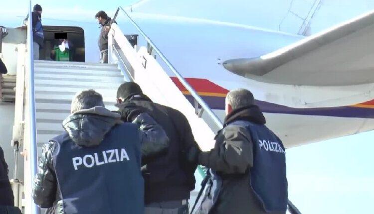 القانون الإيطالي لا يسمح بطرد هذه الفئة من المهاجرين الغير نظاميين
