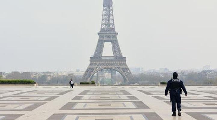 السلطات الفرنسية تستعد لإغلاق باريس 3 أسابيع للحد من انتشار كوفيد -19